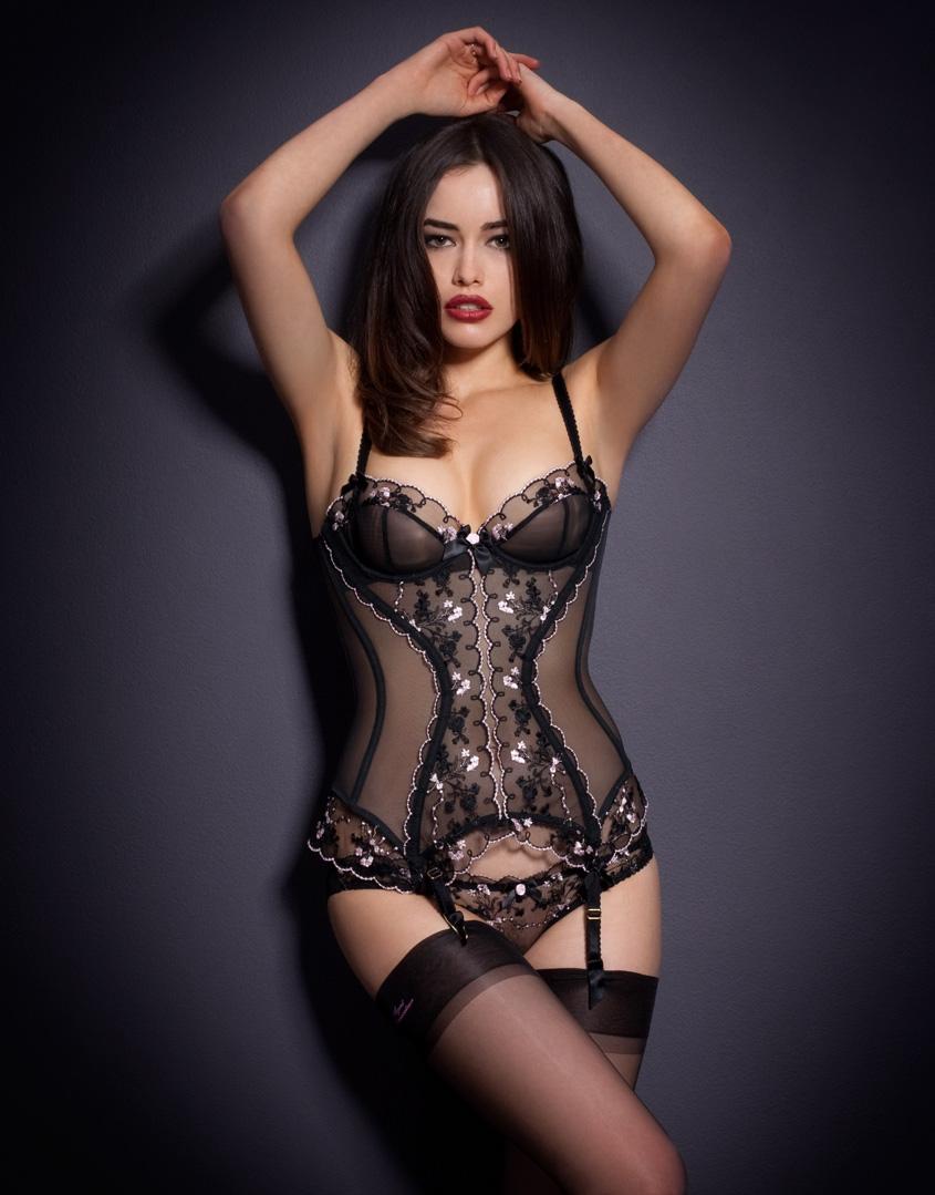 sarah stephens lingerie shooting f r agent. Black Bedroom Furniture Sets. Home Design Ideas