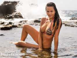 Chrissy Teigen Swimwear 01