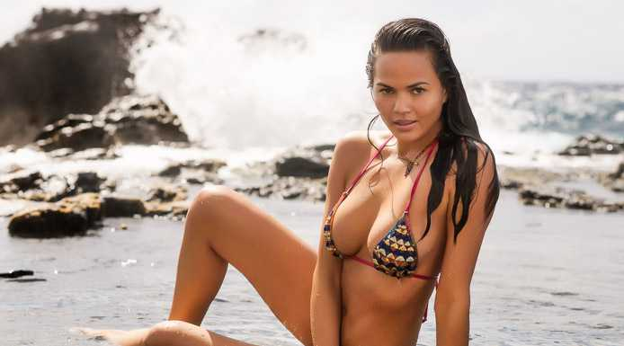 Chrissy Teigen Swimwear 01